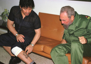 "Maradona shows his tattoo of Fidel Castro to ""El Comandante"" himself"